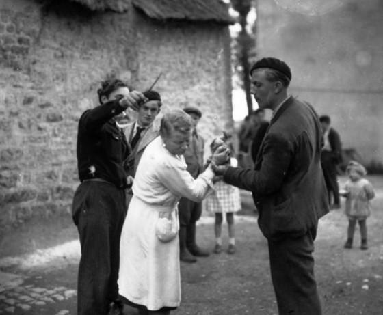 mujeres-francesas-colaboracionistas-nazis-gestapo