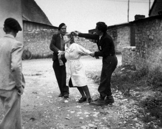 mujeres-francesas-colaboracionistas-rapando-pelo