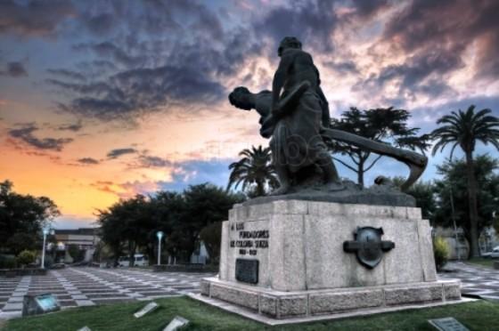 nueva-helvecia-plaza-de-los-fundadores_1567071