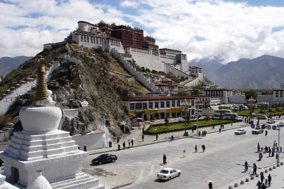 potala-palace-at-lhasa