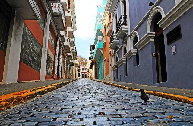 street-paved-with-blue-cobblestone-in-old-san-juan--puerto-rico-687335468-59b5f4ee03f40200109740a0