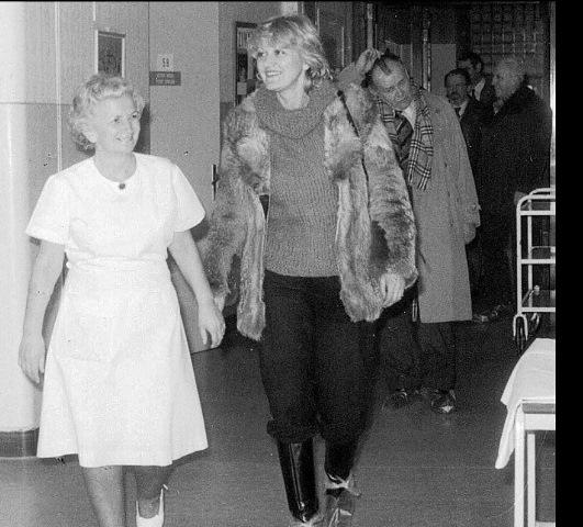 visitando el hospital checo