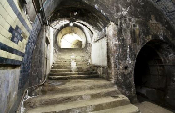 Aldwych station 560x361 - Misterios, casos paranormales y curiosidades del metro de Londres.