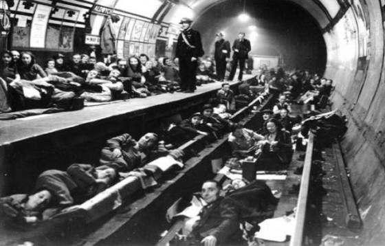 London tube 5 560x358 - Misterios, casos paranormales y curiosidades del metro de Londres.