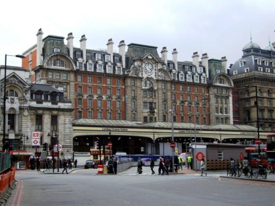 London Victoria Station 560x420 - Misterios, casos paranormales y curiosidades del metro de Londres.