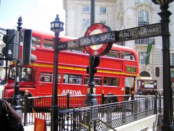 Metro Londres 1 560x420 - Misterios, casos paranormales y curiosidades del metro de Londres.